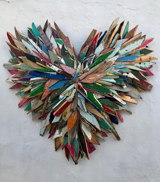 2018 2018 David Pluskwa 304 rue Paradis 13 008 Marseille Liot , 2018 Coeur de Sifnos assemblage de bois recycl+®, peinture acrylique 175 x 175 x 40 cm 23000Ôé¼