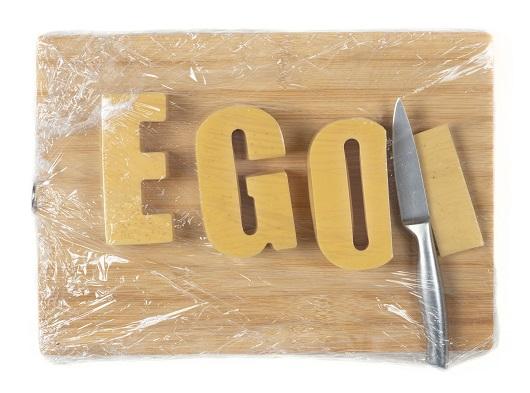 030 Another Slice Of Ego_ 2017 33,5x24x6cm , résine - bois - métal